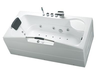 Những điều cần biết về bồn tắm yếm toto