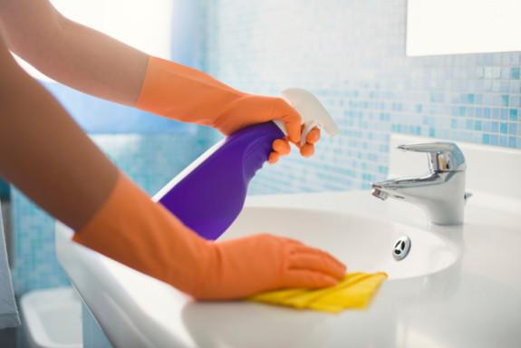 Làm sạch bồn rửa mặt theo cách thông thường